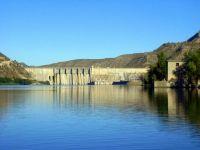 Die Ebro-Staumauer in Spanien