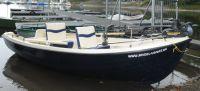 Alles dran an Boot Nr. 9: I-Pilot, 8 Rutenhalterpositionen, Anker usw.